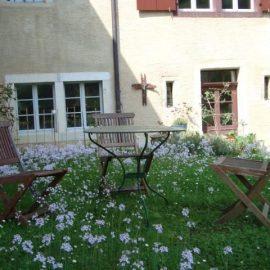 Zwischen Klosterleben und Sex-Event